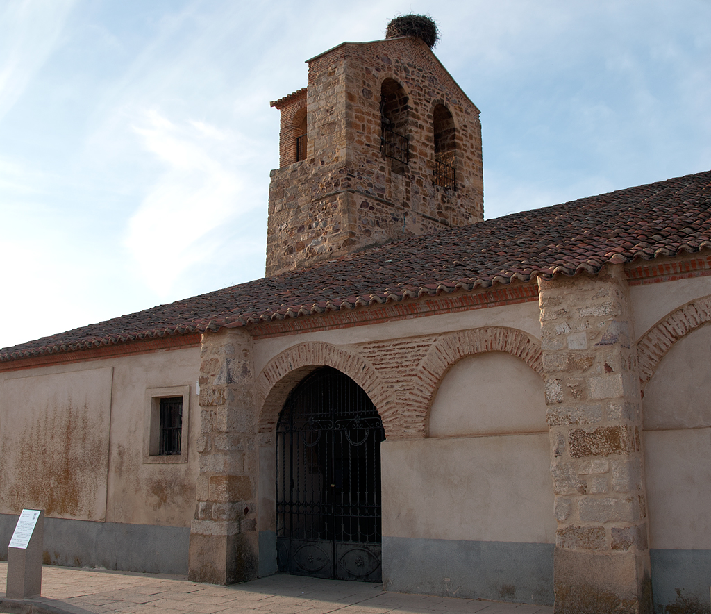 iglesia de San Pedro Pajares de la Lampreana